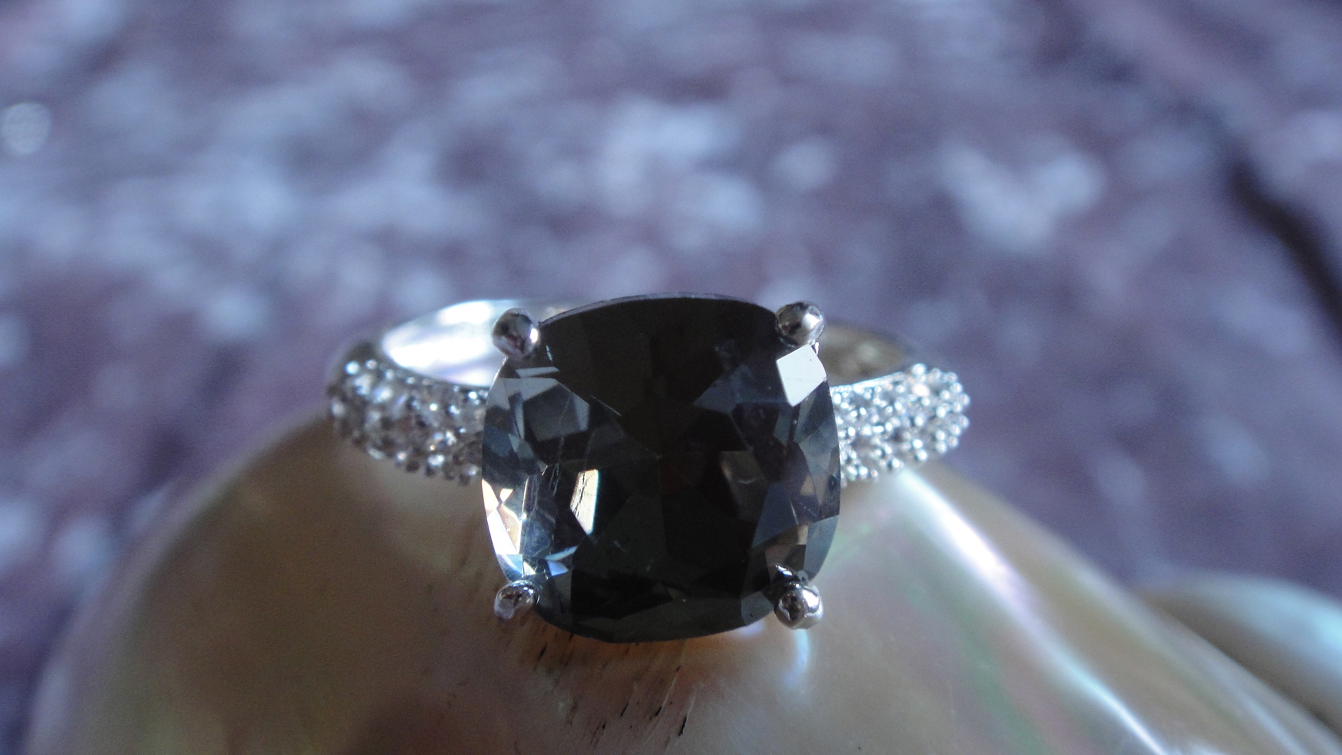 Prsten Black diamond